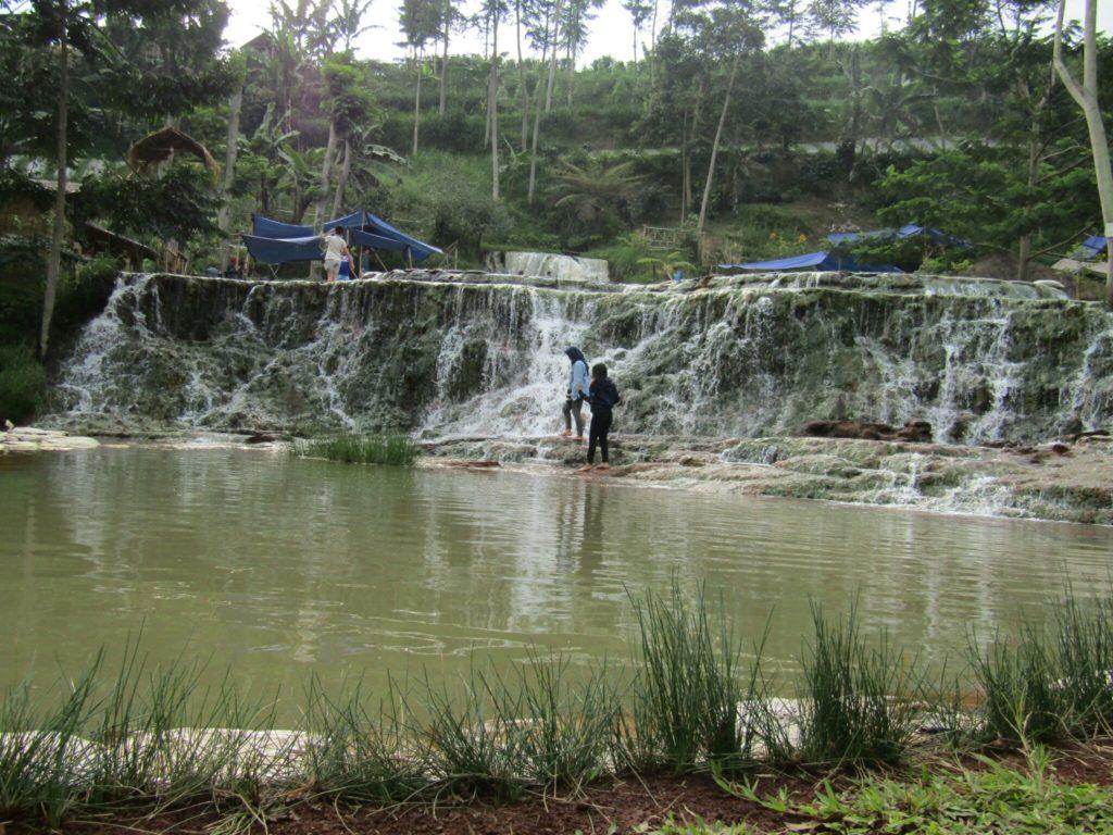バンドン,hot-spring,pemandian air panas nagrak parongponh